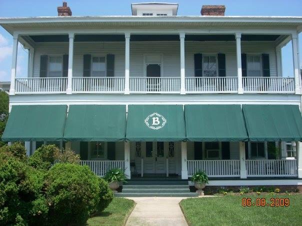 3. Boxwood Inn (Newport News)