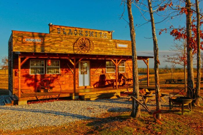 2. Diamonds Old West Cabins (Murfreesboro)