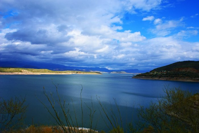 2. Spend some time at Roosevelt Lake.