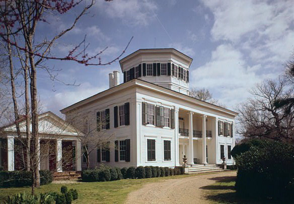 13. Attend one of the many pilgrimage tours in Mississippi and see some of the state's most historic homes and churches for yourself.