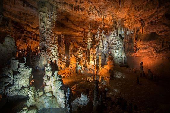 Alabama: Cathedral Caverns State Park