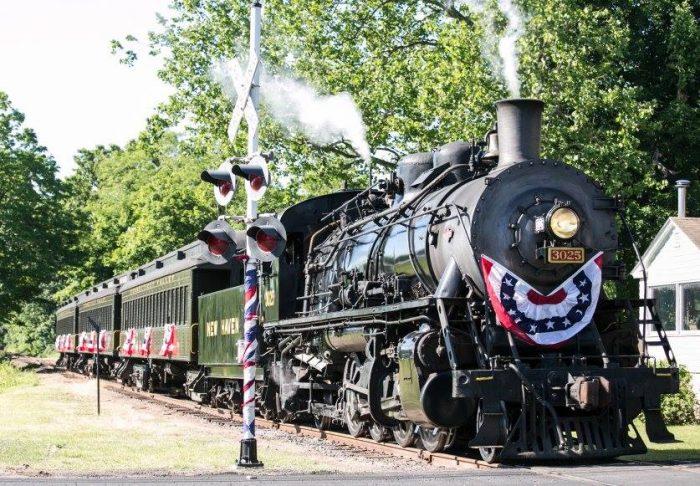 8. Essex Steam Train & Riverboat (Essex)