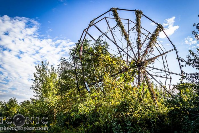 16. This lone ferris wheel at the abandoned Chippewa Lake Park in Medina is hauntingly beautiful