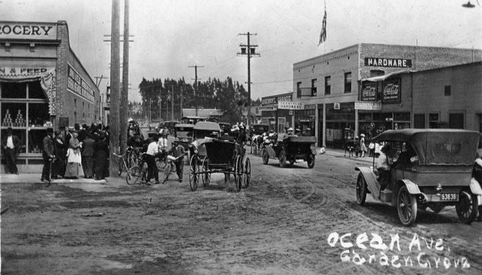 14. Activity in Garden Grove on Ocean Avenue (now Garden Grove Boulevard) around 1914.