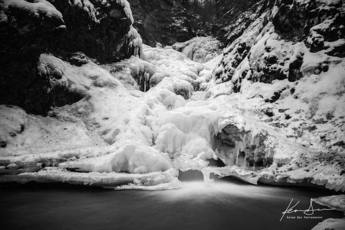 Alaska: Thunderbird Falls Trail