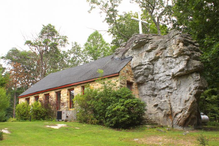 The Unique Alabama Chapel That Was Built On A Boulder