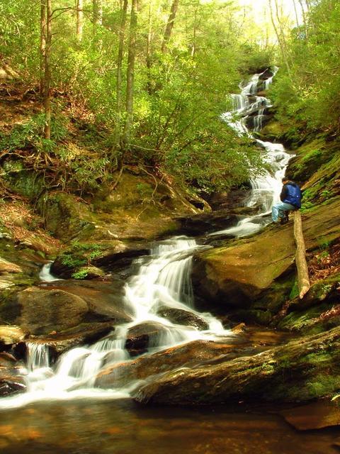 15. North Carolina: Roaring Fork Falls
