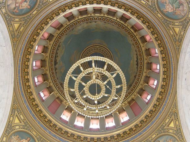 12. Did you know that the Rhode Island State House is home to the third-largest self-supporting marble dome on Earth? Well, it is and it makes for amazing pictures!