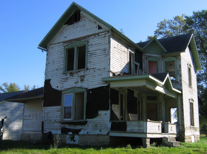 2. This is a classically creepy old house - it would look perfectly at home in a horror movie.