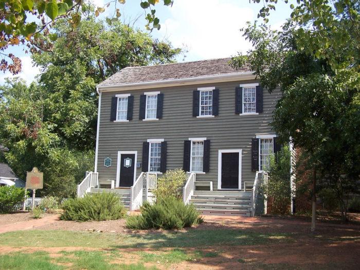 7. The Tavern Where George Washington Slept