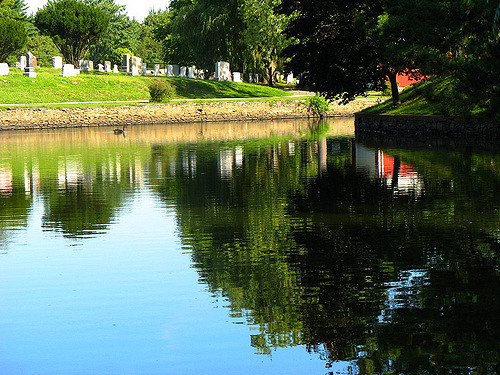 7. This pond is found right in the middle of Lakeside Cemetery in East Providence. It adds a sense of tranquility to this resting place.