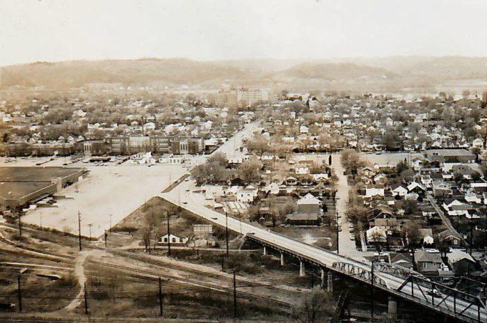 3. 29th Street Bridge, Huntington, 1940s