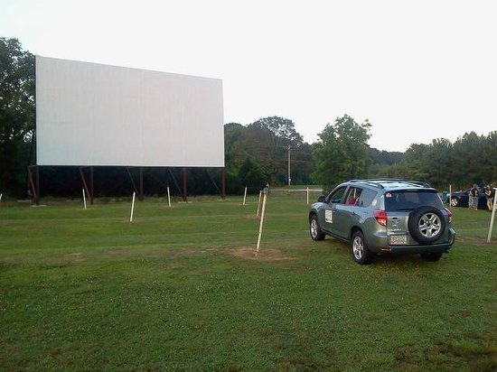 2. 411 Twin Drive In Theater & Grill, Centre