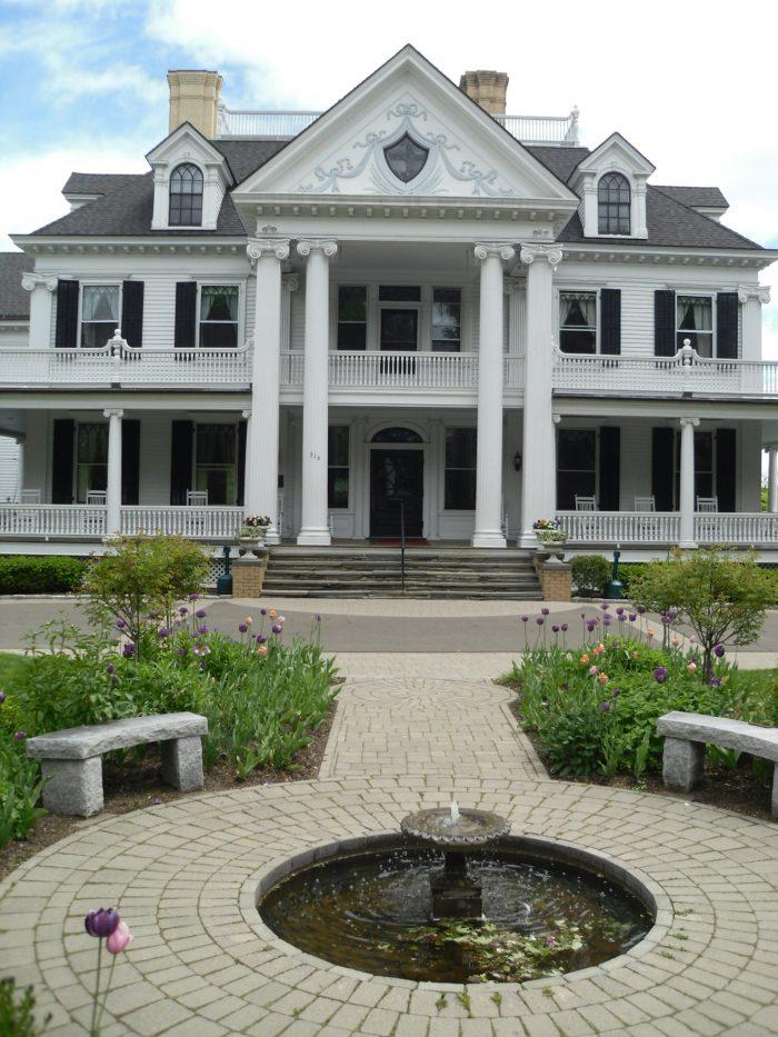 6. Ridgefield, Connecticut