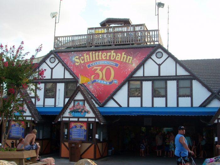 1. Schlitterbahn (New Braunfels)