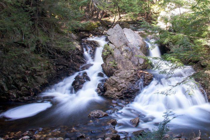 4. Massachusetts: Bear's Den Falls