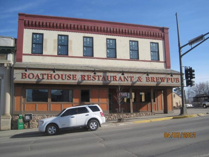 Eat at Boathouse Brewpub for dinner, for a good meal and even better beer!