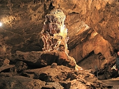 5b Woodward Caves