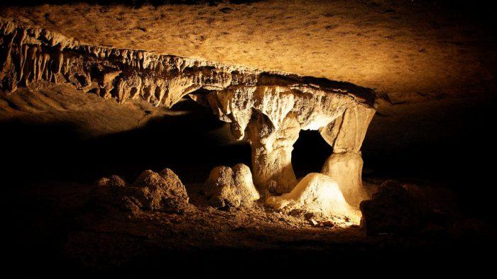 10. War Eagle Cavern