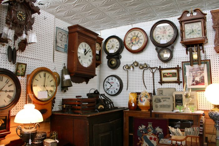 18. Furnishing your home with authentic Virginia antiques