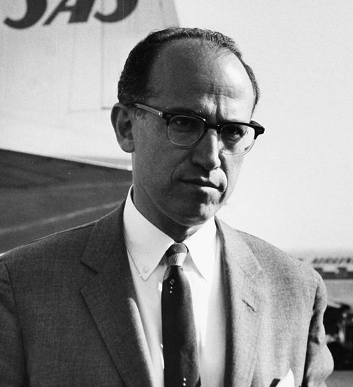 7. Jonas Salk, of the University of Pittsburgh, invented the world's first polio vaccine in 1952.