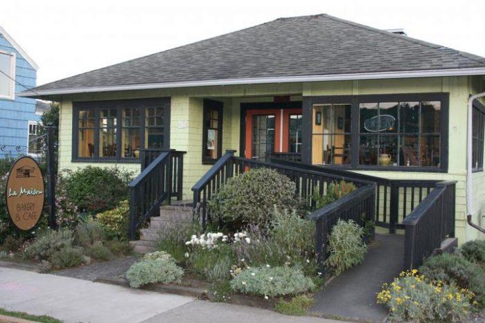 6. La Maison Cafe, Newport