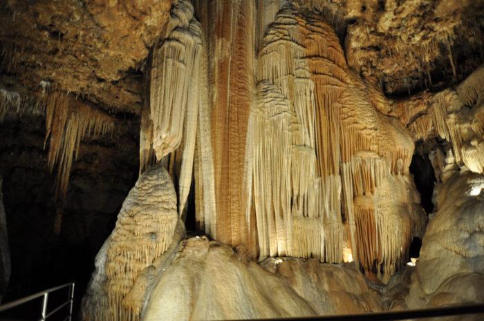 8.Meramec Caverns, Sullivan