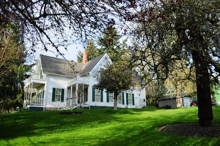 8 houses in washington with incredible pasts for Olympia home builders