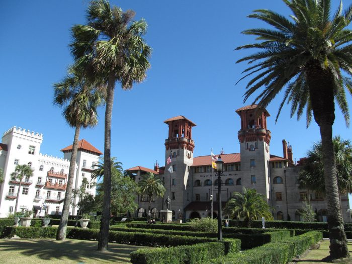 2. Florida has so much fascinating history. The oldest city in the country, St. Augustine, is right here in Florida.