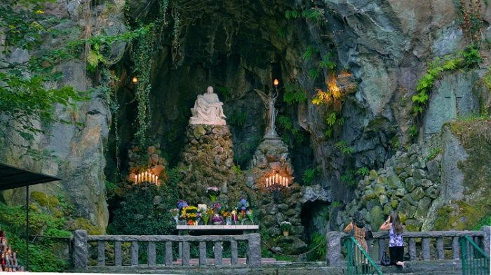 About-The-Grotto