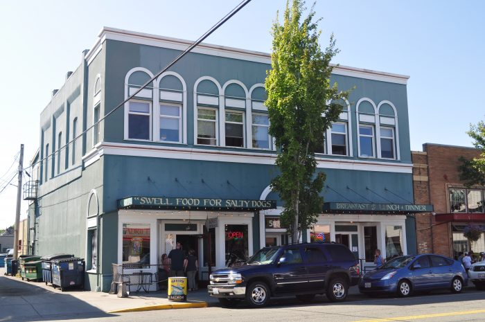 15 Small Towns In Washington With Great Restaurants