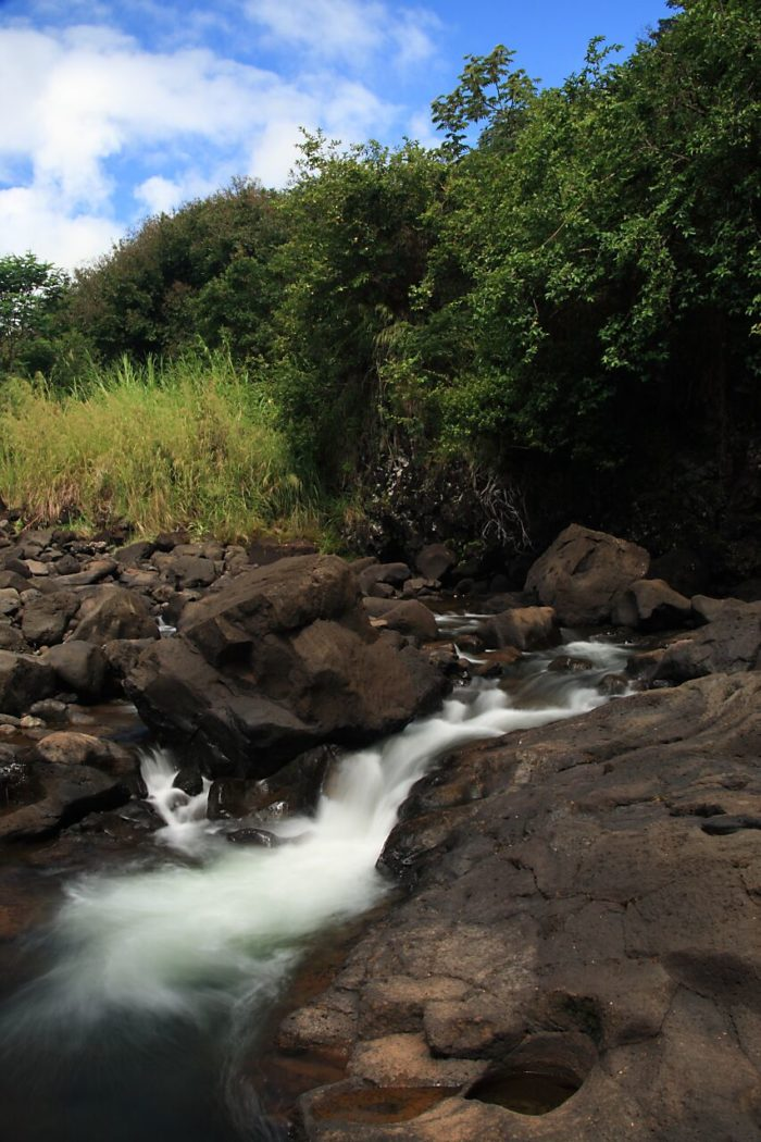 Flash flooding in these pools is common, and because there are no lifeguards, many have perished in the river by getting sucked into the water and becoming trapped within concealed lava tubes and caves.