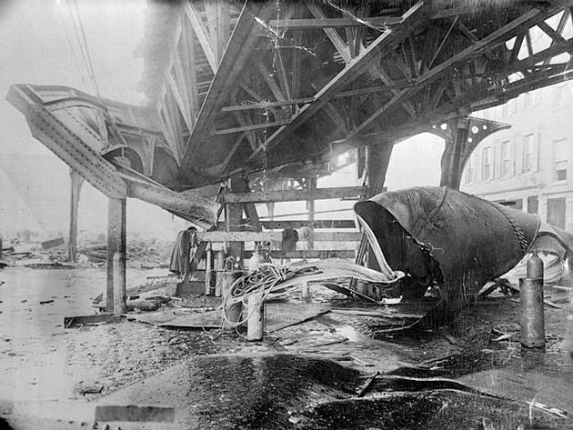 Boston_1919_molasses_disaster_-_el_train_structure