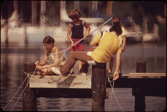 2. This photo taken in 1973 shows a young group catching crabs from a Chesapeake Bay dock.