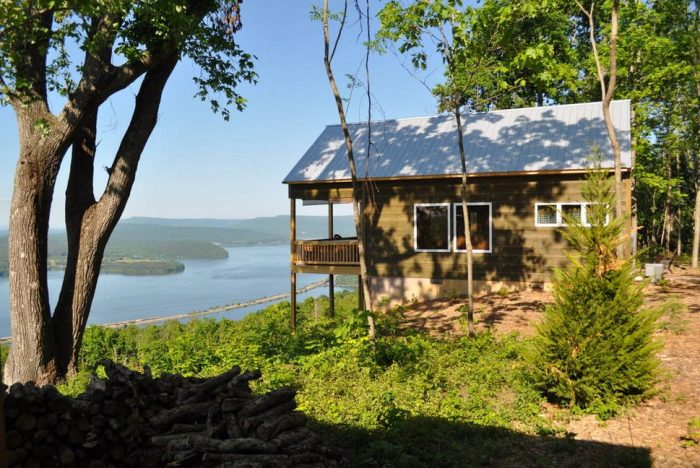 9. Cabin with Breathtaking View - Bryant, AL