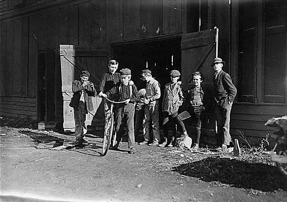 Child_workers_in_Woodbury,_NJ