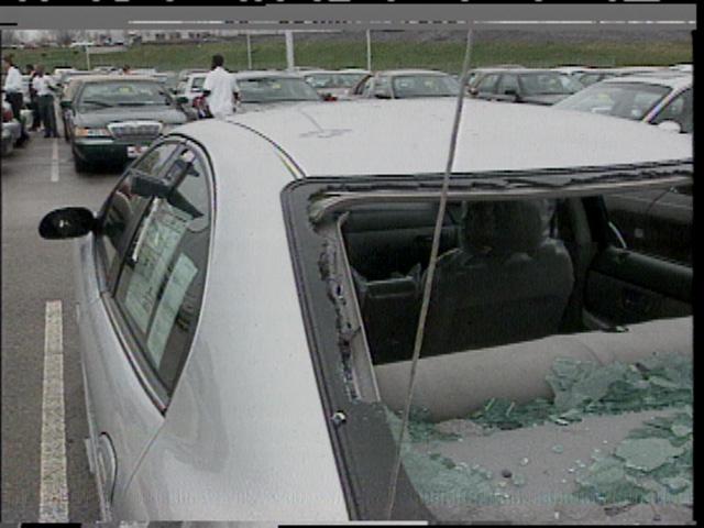 Damaged_car