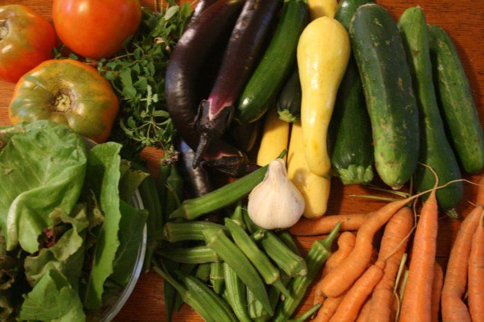 5. Eat or grow farm fresh.