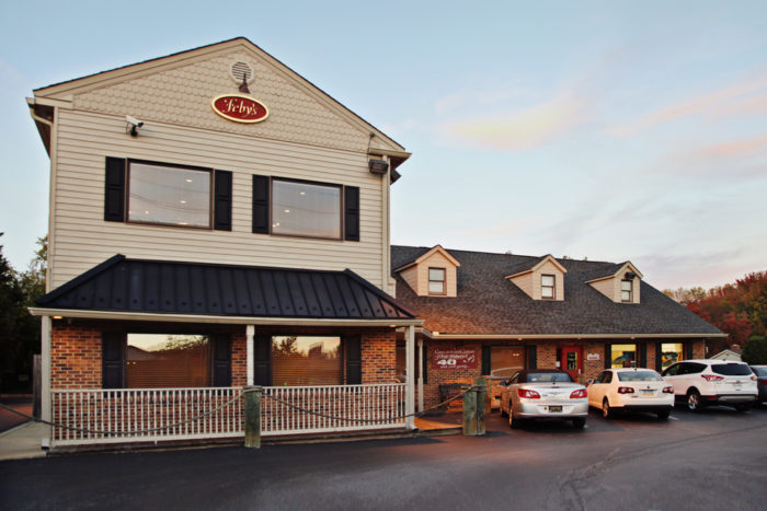 16 restaurants that have the best crab cakes in delaware for Milfords fish house