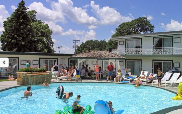 10 affordable vacation spots in iowa for Cheap fun vacation spots