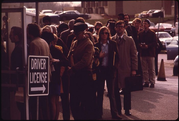 8. The last day for '73 tags brings a barage of Marylanders to the Bureau of Motor Vehicles in Rockville.