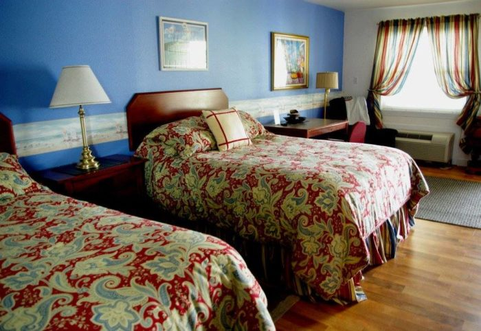 Riverboat Inn beds