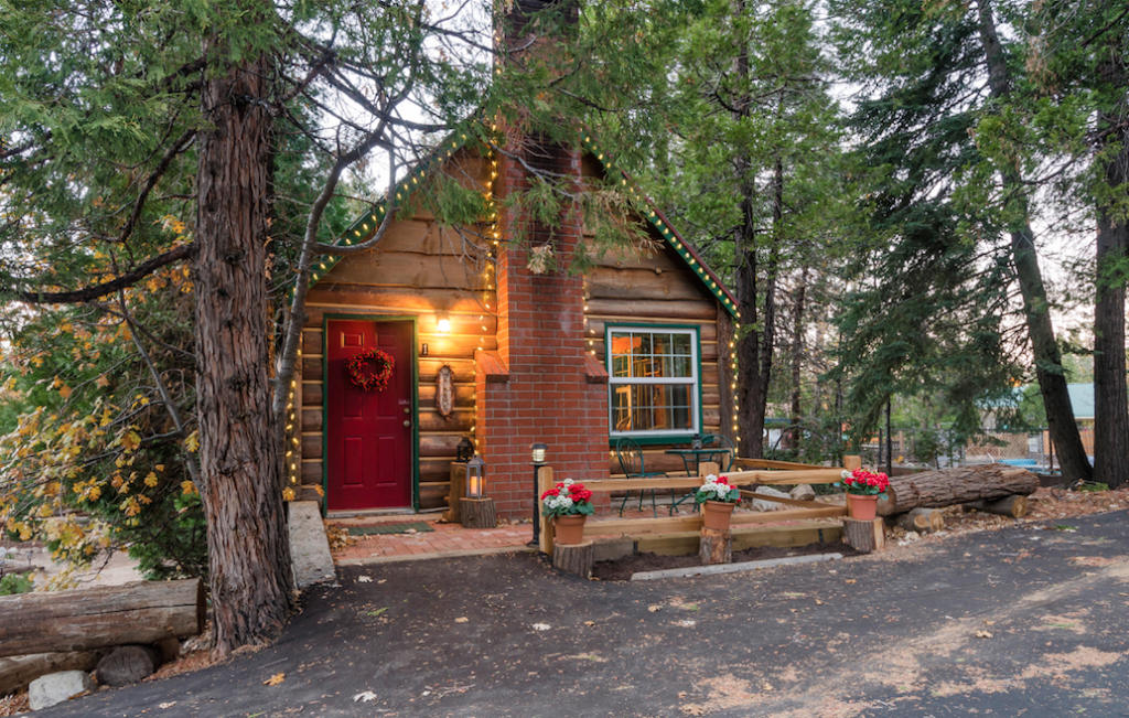 10 of the best vacation cabins in southern california for Lake cabin rentals near dallas
