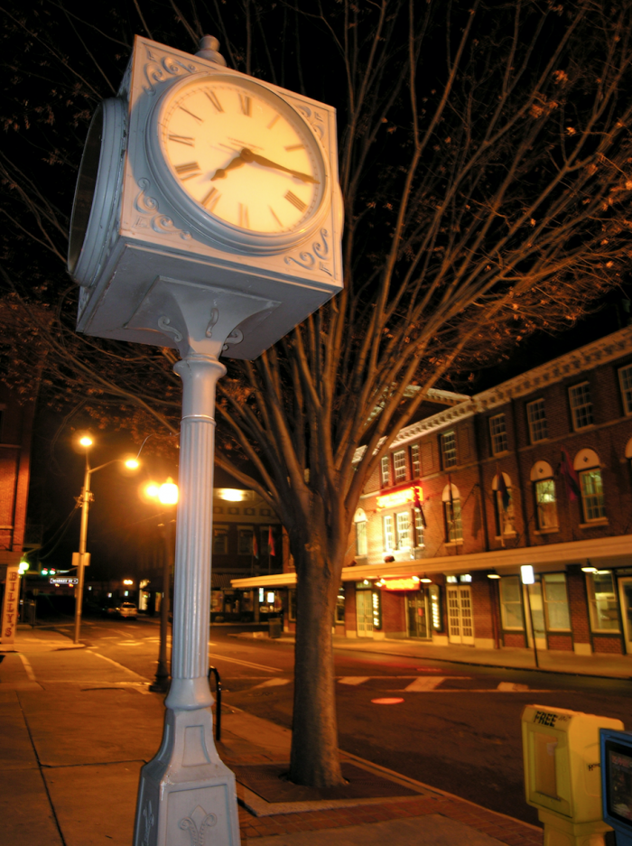 11 Small Towns In Virginia With Amazing Antiques