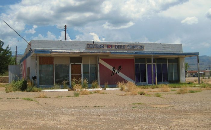 4. This old dive center is located in Alamogordo and the nearest major diving destination is more than 175 miles away in Santa Rosa. The story of this failed venture seems predictable, yet still sad.