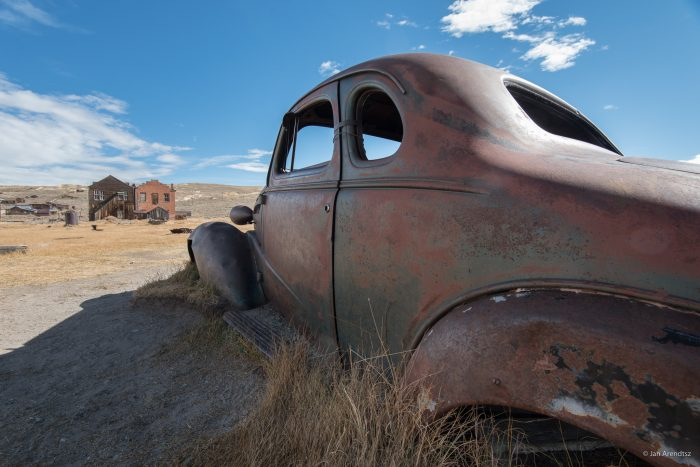 4. Old Rusted Cars