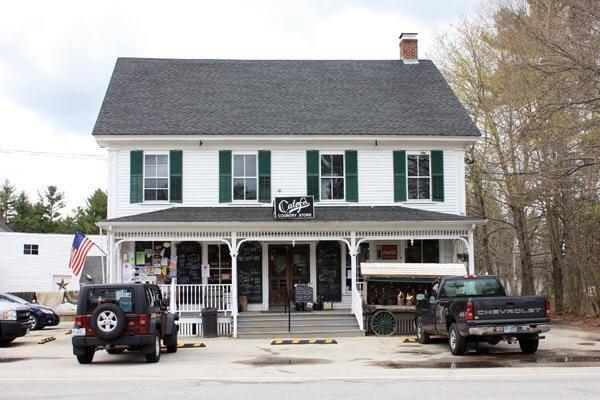 1. Calef's Country Store, Barrington