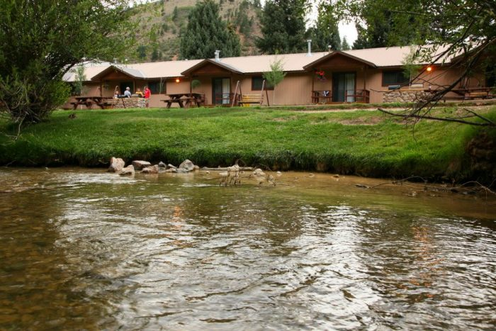 3. Copper King Lodge, Red River