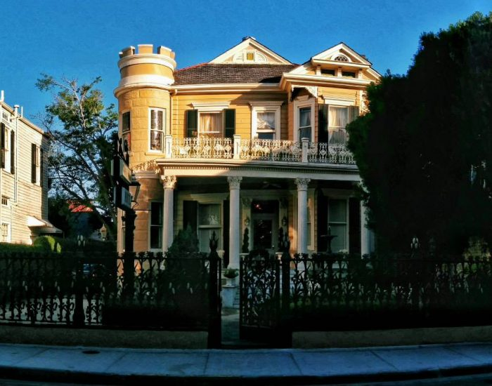 4) Cornstalk Hotel, 915 Royal St.