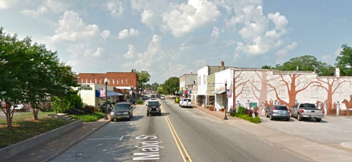 15 Slow Paced Small Towns In South Carolina